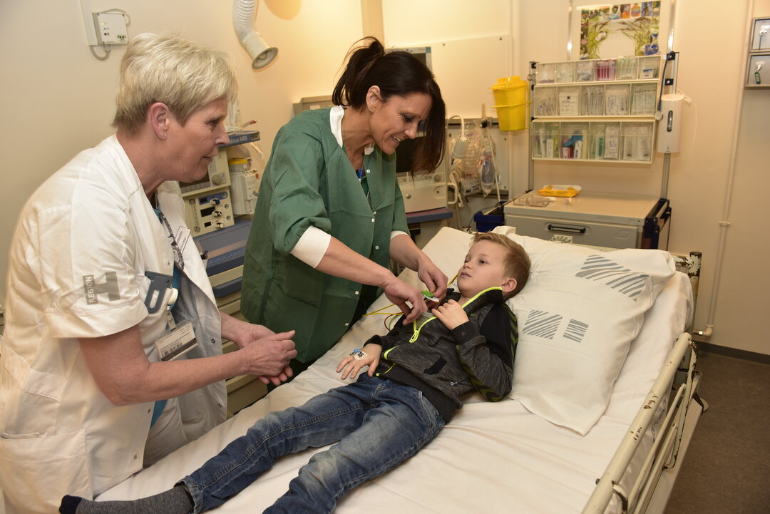 Sygeplejerske skal se, hvor hurtigt Villads' hjerte slår